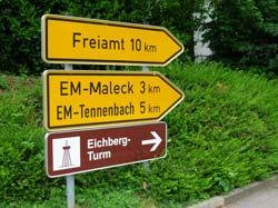 Neue Hinweisschilder für den Eichbergturm
